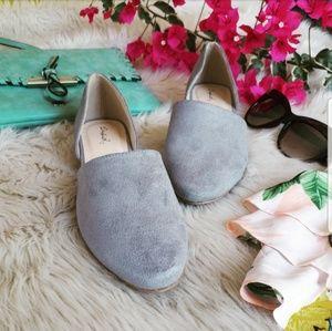 Shoes - 🆕️//The Sylvia// Light grey vegan suede flats